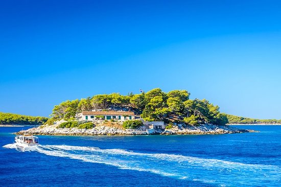 3 islas privadas: Hvar, islas Pakleni y...