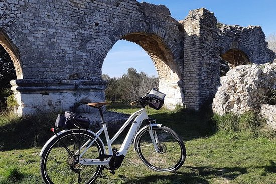 Electric bike ride in the Alpilles