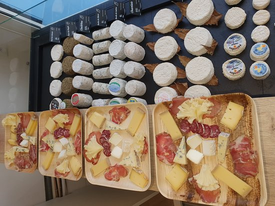 Six-Fours-les-Plages, Francja: Cheese and cold meat plates