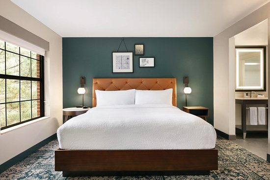 Four Points by Sheraton Raleigh Arena, Hotels in Cary
