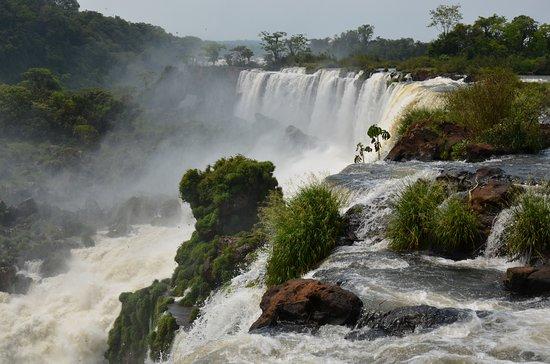 Argentinien: Clean energy Iguazu Falls