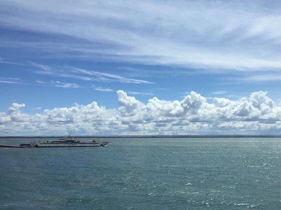 Tierra del Fuego, شيلي: Una mirada al Estrecho de Magallanes cuando se cruza hacia Tierra del Fuego, Chile 🇨🇱
