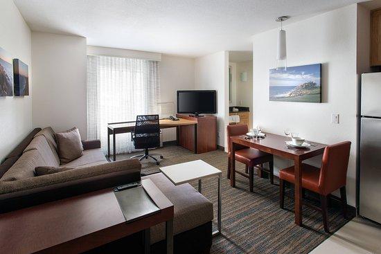Residence Inn by Marriott San Diego Del Mar: Suite