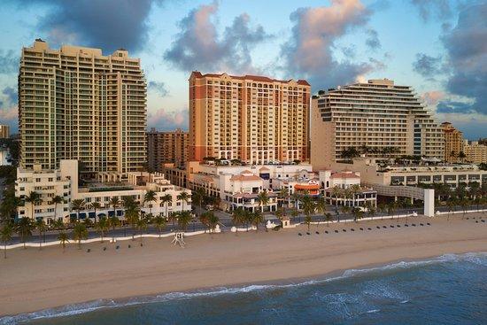 Marriott's BeachPlace Towers Hotel