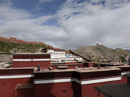 Gyangze County, Cina: Überblick Klosteranlage