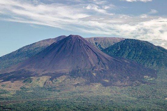 Visite des volcans et des lacs