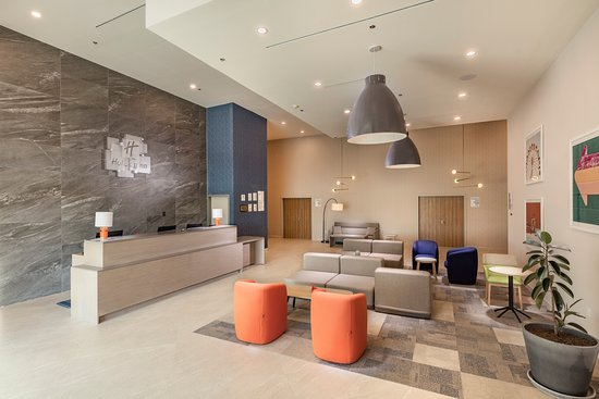 Holiday Inn & Suites Aguascalientes: Lobby