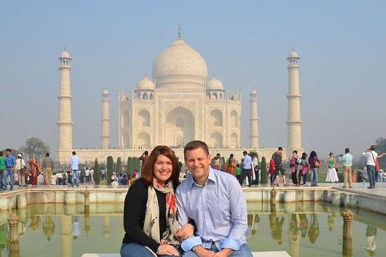 Same Day Agra Tour (1N/2D)