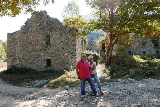 Fiscal, Ισπανία: Souvenirs de mes Voyages --- Aragon tu nous manques -- Village abandonné de Janovas  depuis 1960 suite à un projet de barrage qui finalement n'a pas vu le jour