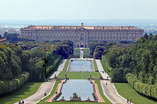 Private Chauffeured Tour to Caserta...