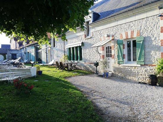 Ferme de Couffy la maison principale en pierres de tuffeau
