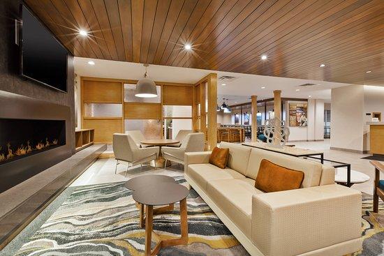Fairfield Inn & Suites Kalamazoo: Lobby