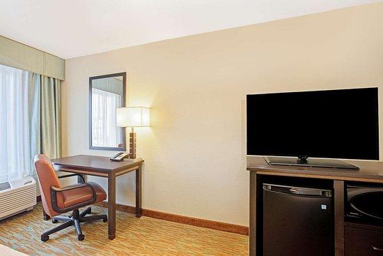 La Quinta Inn & Suites by Wyndham Gillette
