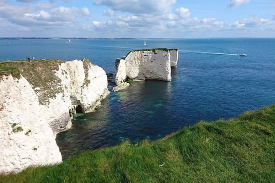 Private tour from Portsmouth: Sandbanks, Studland, Swanage, Corfe and...