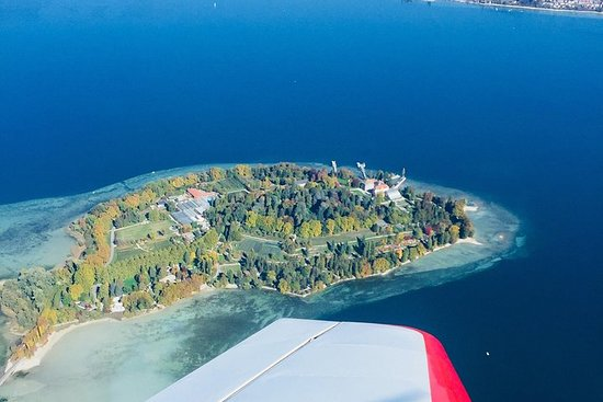 Private Sightseeing Flight around Lake Constance
