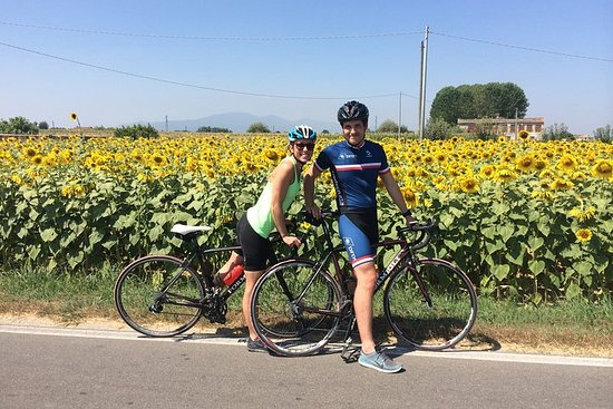 Montecatini Terme cycle and wine tasting visit