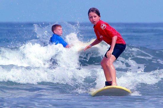 Cours de surf avec un instructeur professionnel au Pays basque