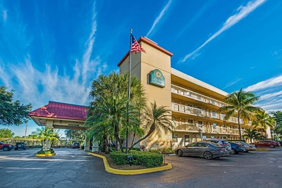 La Quinta Inn by Wyndham West Palm Beach - Florida Turnpike: Exterior