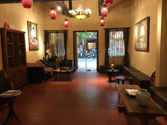 Omamori Spa - Professional Blind Massage Spa No Tip Hanoi & Hoi An  50% discount for the first-time visitors until the end of June in Omamori Spa Hoi An 20% discount for all the treatments until August 31, 2020, in Omamori Spa Hanoi and Omamori Spa Hoi An, Uses deep tissue massage combined with acupressure techniques or a soft and gentle massage to relax the muscles or hot stone. Highly skilled blind therapists trained for years by social enterprise, Blind-Link,