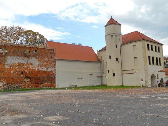"""Centrum Artystyczno – Kulturalne """"Zamek"""""""