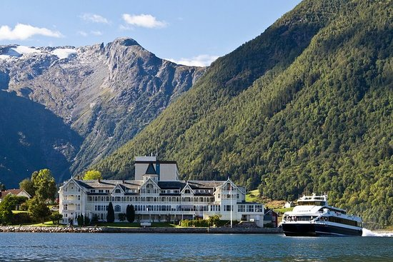 Self Guided Tour - Sognefjord Express Cruise og Flåm Railway