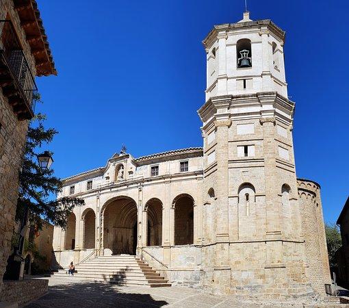 Roda de Isabena, Španělsko: Souvenirs de mes Voyages --- Espagne -- Aragon -- Cathédrale de San Vicente de Roda Isabena construite à partir du XI siècle dans la plus petite localité d'Espagne