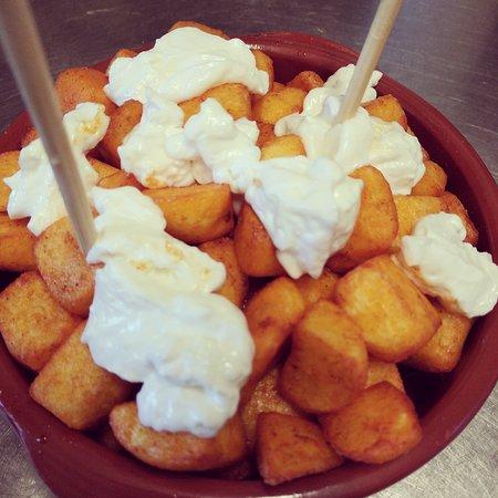 Provincia de Lleida, España: Patatas bravas