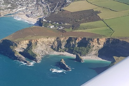 Day Trip from Bournemouth to Isle of Wight by a Private Plane