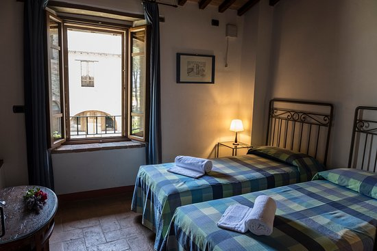 Castiglione della Valle, Italia: Camera con letti twin