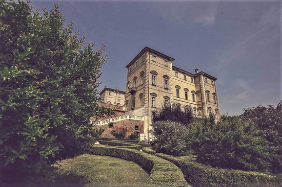 Il Castello Reale di Govone è pronto ad accogliervi tra le sue mura! Si riapre dal 22/5!
