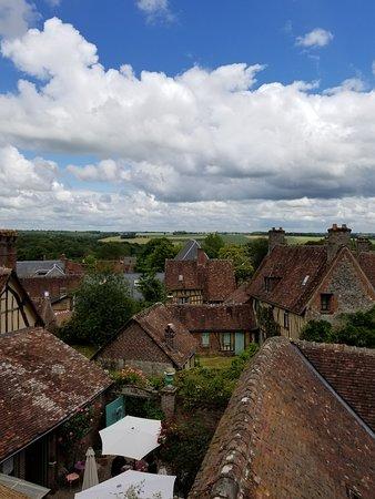 ジェルブロア ちょっとした高台から眺めた町の様子。