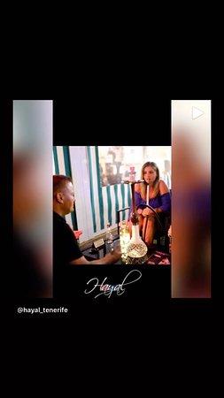 Hayal Tenerife Cocktail & Shisha Bar: Fumar cachimba en compañía es una buena forma de establecer vínculos y pasar un rato agradable !!!