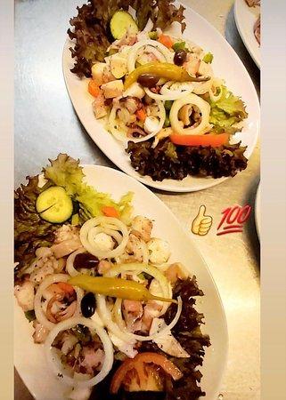 Lecker Pulpo - als Salat und vom Grill (auf Vorbestellung)