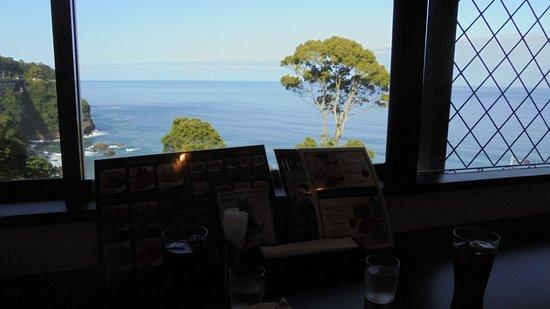 入り口のイタリアンレストランでコーヒータイム。。