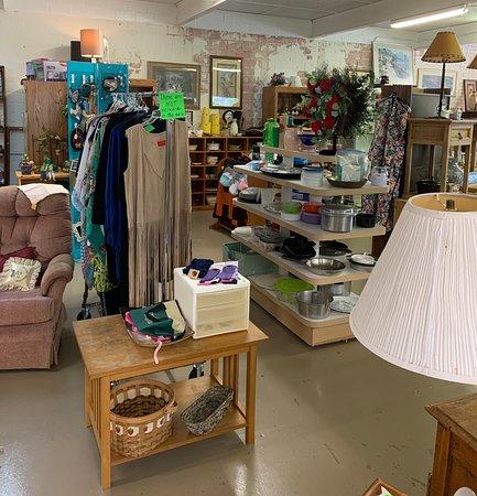 Pots & Pans, Lamps, Tables, Wreaths, etc