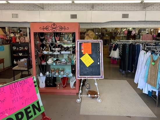 Classy Clutter Resale, Treasures and More