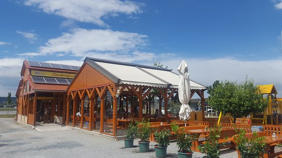 Trausdorf an der Wulka, Austria: Restaurant Steckerfisch Spare Rips & Co