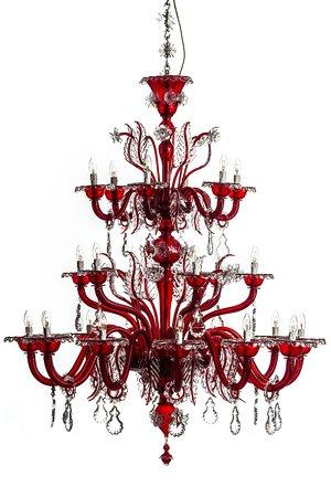 Lampadario un vetro soffiato stile classico, colore rosso veneziano.