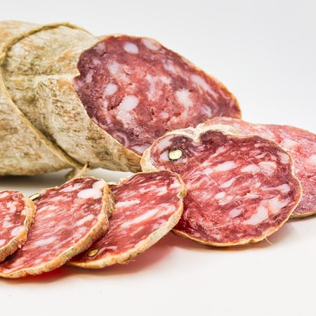 Salame nostrano, disponibile nel nostro shop online www.dagentilia.com