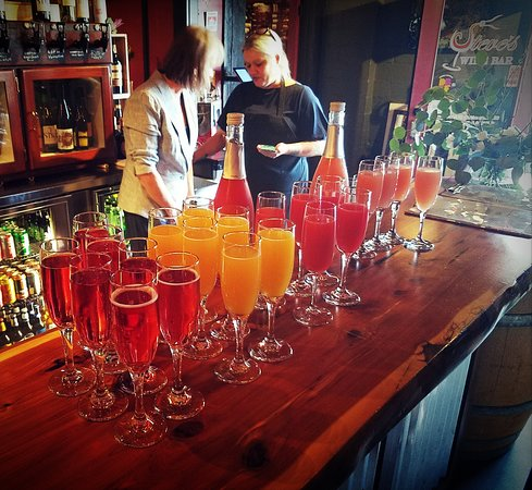 Mimosa, Bellini, Sparkling Rose, Prosecco....oh my!