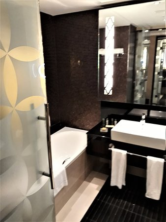 "Room 909's bathroom at ""Hilton Baku""."