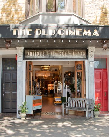 ‪The Old Cinema‬