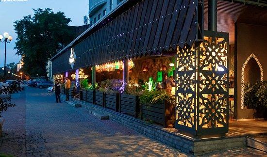 Летняя площадка ресторана Первая Чайхана
