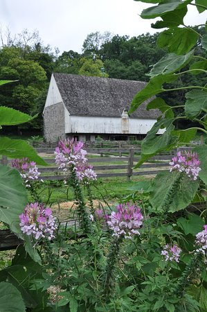 Federal Barn at Landis Valley Museum