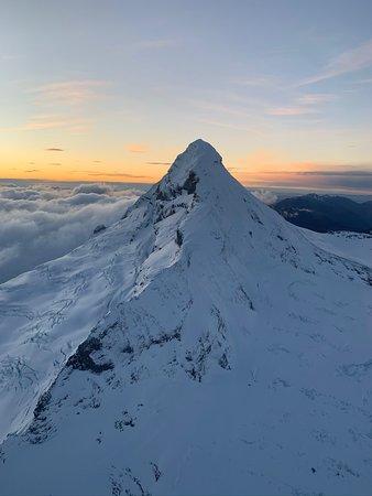 Sunrise behind Mount Aspiring