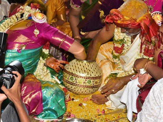 #shastipoorthi #shastiapthapoorthi #60thmarriage #70thmarriage #abiramitemple #thirukadaiyurtemple #60thmarriage online booking. Contact:9047408916 www.thirukkadaiyur60thmarriages.com