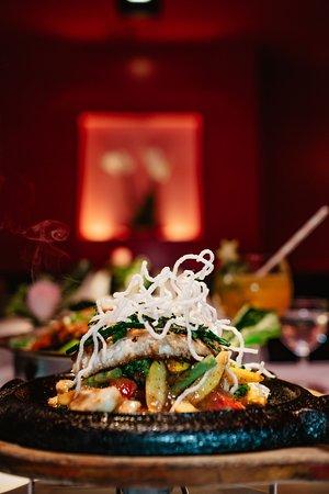 Zander auf Wokgemüse mit Asia-Kräutern