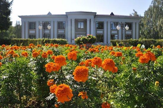 Углич, Россия: музей гидроэнергетики в ожидании гостей....
