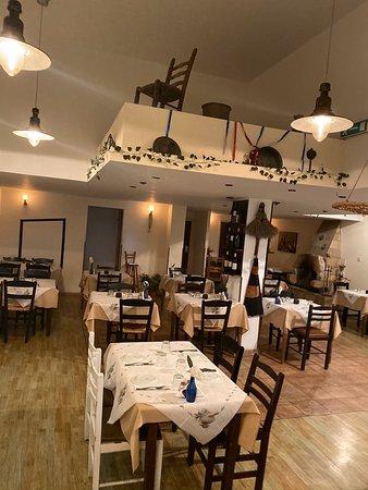 Estia Greek Restaurant And Tsipouradiko