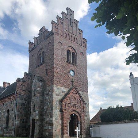 Halsted Kirke